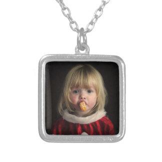Colar Banhado A Prata Menina do Natal - criança do Natal - menina bonito