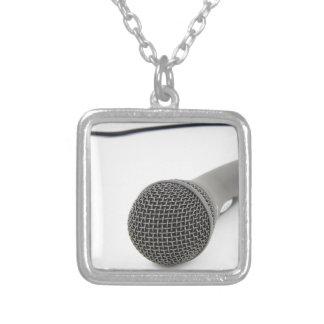 Colar Banhado A Prata Microfone - conversa a mim