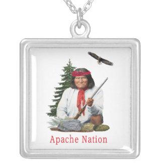 Colar Banhado A Prata Nação de Apache