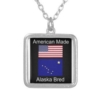 """Colar Banhado A Prata """"Nascer americano. Alaska produziu"""" bandeiras e"""
