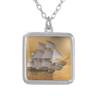 Colar Banhado A Prata Navio mercante velho - 3D rendem