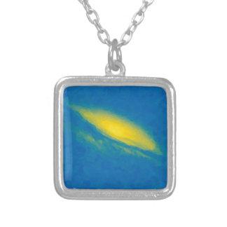 Colar Banhado A Prata Nebulla abstrato com a nuvem cósmica galáctica