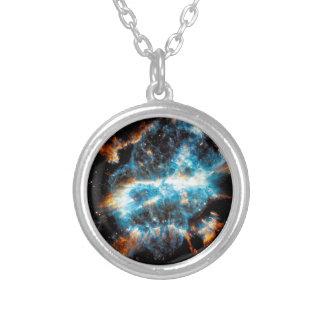 Colar Banhado A Prata Nebulosa planetária de NGC 5189 - foto do espaço