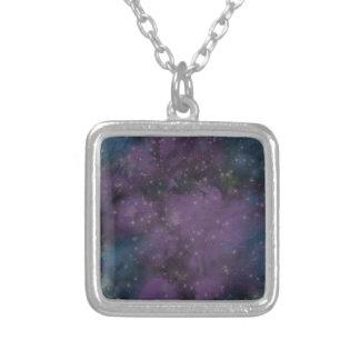 Colar Banhado A Prata Nebulosa roxa da galáxia