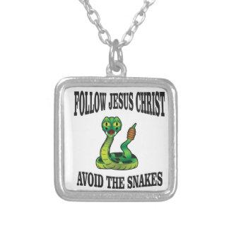 Colar Banhado A Prata Nenhuns cobras com JC