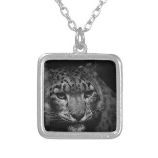 Colar Banhado A Prata neve-leopardo