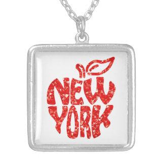 COLAR BANHADO A PRATA NEW YORK