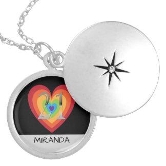 Colar Banhado A Prata Nome personalizado do coração do arco-íris do