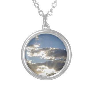 Colar Banhado A Prata Nuvens e Sun