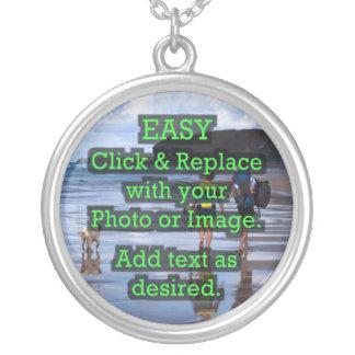 Colar Banhado A Prata O clique fácil & substitui a imagem para criar
