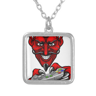 Colar Banhado A Prata O diabo Esports ostenta a mascote do Gamer