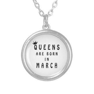 Colar Banhado A Prata O Queens é nascido em março