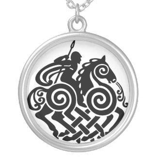 Colar Banhado A Prata Odin de prata 3