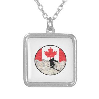 Colar Banhado A Prata Oh Canadá