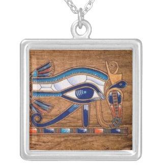 Colar Banhado A Prata olho do horus