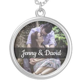 Colar Banhado A Prata Os nomes e a foto do casal personalizado