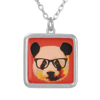 Colar Banhado A Prata Panda com vidros no vermelho