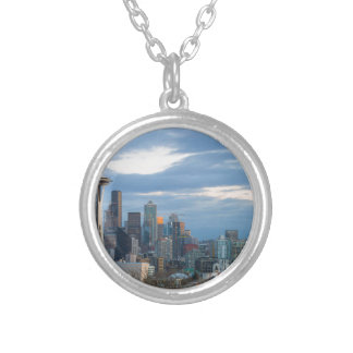 Colar Banhado A Prata Panorama da noite da skyline da cidade de Seattle