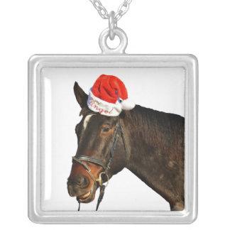 Colar Banhado A Prata Papai noel do cavalo - cavalo do Natal - Feliz