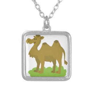Colar Banhado A Prata passeio do camelo alto