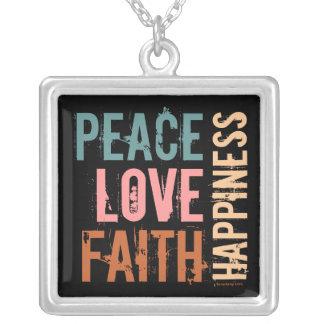 Colar Banhado A Prata Paz, amor, fé, felicidade