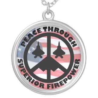 Colar Banhado A Prata Paz com a potência de fogo superior