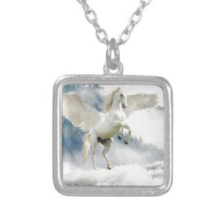 Colar Banhado A Prata Pegasus Horned