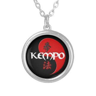 Colar Banhado A Prata Pendente de Kempo Yin Yang