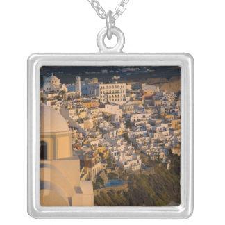 Colar Banhado A Prata Piscina e ilha grega da cidade de Santorini de
