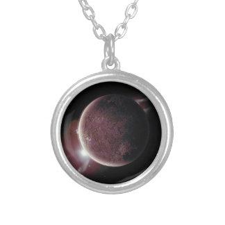 Colar Banhado A Prata planeta vermelho no universo com aura e estrelas