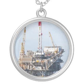 Colar Banhado A Prata Plataforma petrolífera