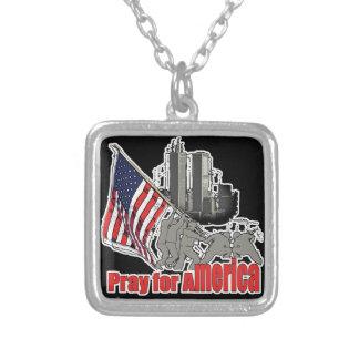 Colar Banhado A Prata Pray para América