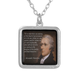 "Colar Banhado A Prata ""Presente do líder inimigo"" de Alexander Hamilton"