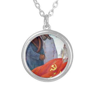 Colar Banhado A Prata Propaganda original Mao Zedong e Josef Stalin