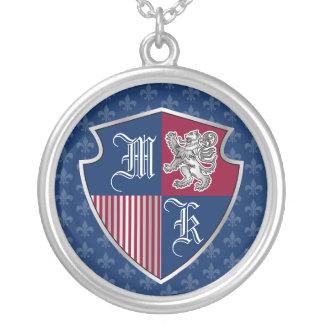 Colar Banhado A Prata Protetor de prata do emblema do monograma da