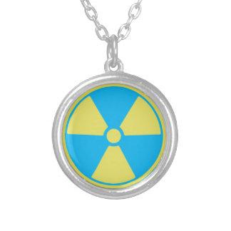 Colar Banhado A Prata Radioativo