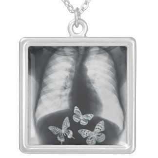 Colar Banhado A Prata Raio X das borboletas no estômago