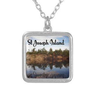 Colar Banhado A Prata Reflexões da ilha de St Joseph