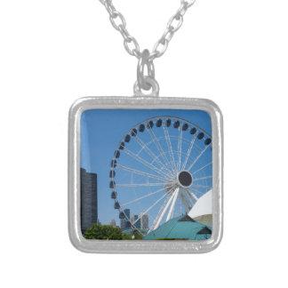 Colar Banhado A Prata Roda de Ferris centenária