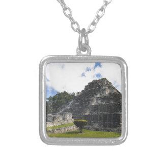 Colar Banhado A Prata Ruínas maias de Chacchoben do Maya da costela