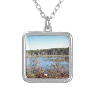 Colar Banhado A Prata Santuário de pássaro do lago sams