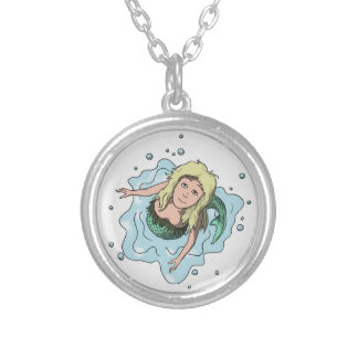 Colar Banhado A Prata Sereia esmeralda da baía