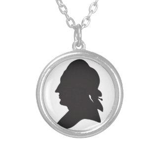 Colar Banhado A Prata silhueta de Goethe