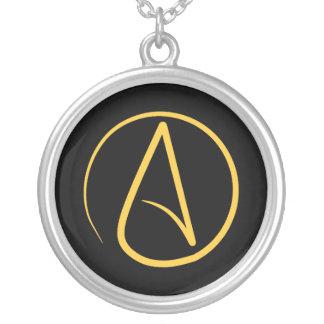 Colar Banhado A Prata Símbolo ateu: amarelo no preto