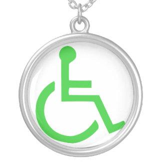 Colar Banhado A Prata Símbolo da cadeira de rodas