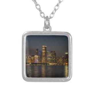 Colar Banhado A Prata Skyline Chicago Pano da noite