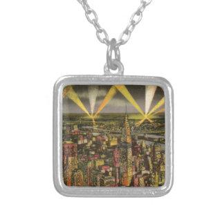 Colar Banhado A Prata Skyline da Nova Iorque do vintage