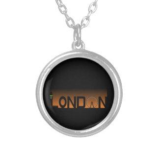 Colar Banhado A Prata Skyline de Londres