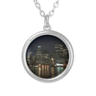 Colar Banhado A Prata Skyline de Manhattan