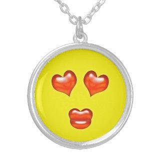 Colar Banhado A Prata Smiley engraçado de Emoji do beijo do amor